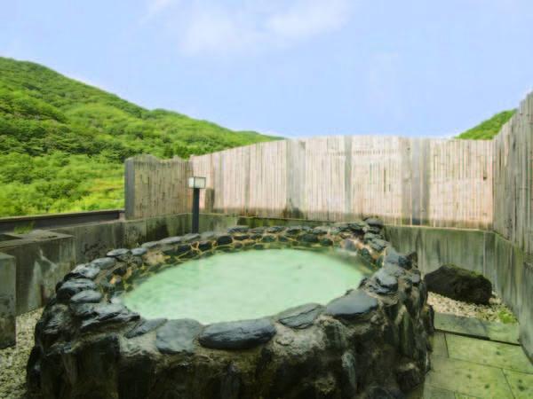 【湯の原ホテル】山景を望む露天風呂で美女づくりの湯を満喫!どこか懐かしいレトロで温かな雰囲気の「癒し宿」