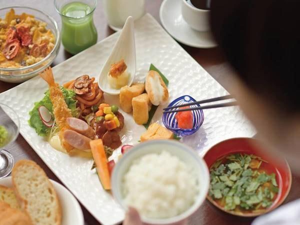 【朝食/イメージ】朝から栄養満点のお食事で元気をチャージ!ビュッフェスタイルで好きなだけお召し上がり頂けます。