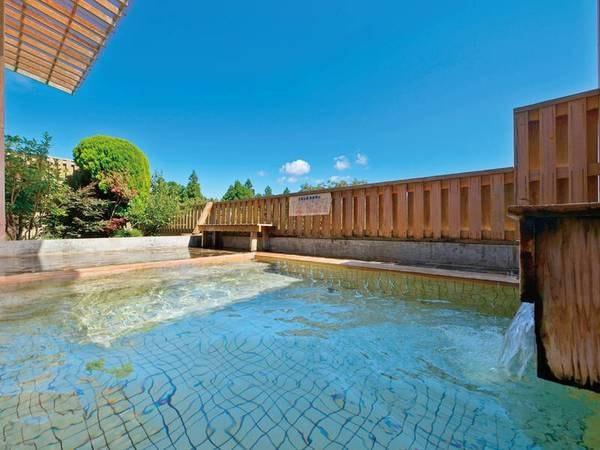 【露天風呂】開放感たっぷり!美しい四季の移ろいを感じる露天風呂