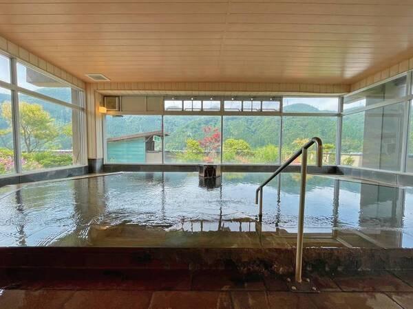 【6階展望大浴場】鳴子温泉の四季折々の自然を一望!