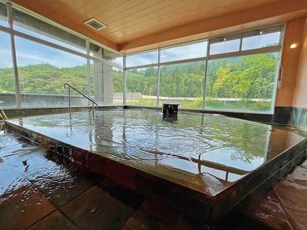 【6階展望大浴場】黒湯を堪能する