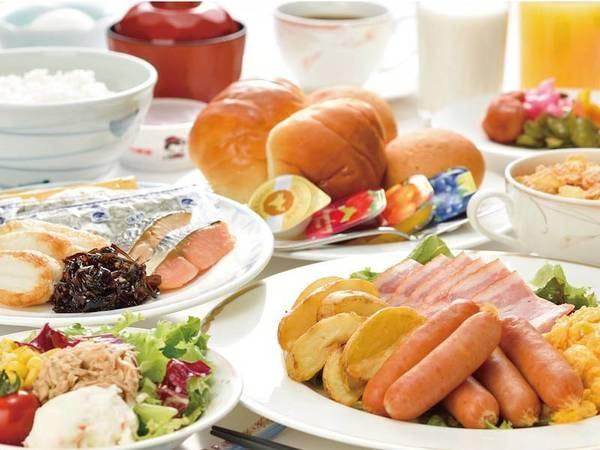 朝食例/広々会場で頂く朝食バイキングで、朝から元気をチャージ★