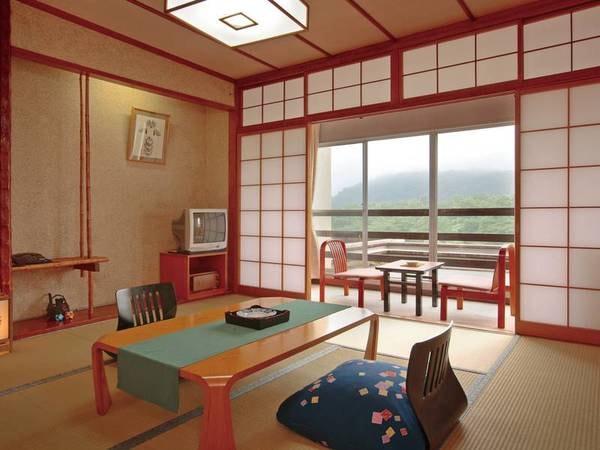 【げんぶ館/例】雄大な蔵王連峰と清流を眺める8畳客室へご案内(一例)