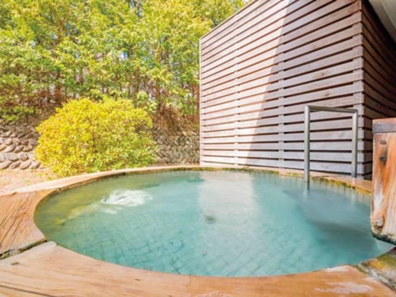 【露天風呂】自慢の自家源泉は効能豊か