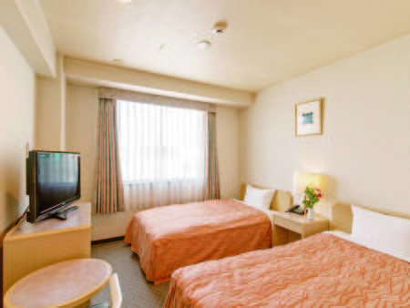 【ツイン/例】広さ15平米。ベッド幅は110cm