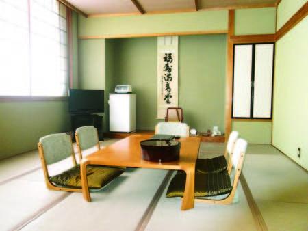 ゆったりと寛げる15畳の和室は人気の檜風呂付き(一例)