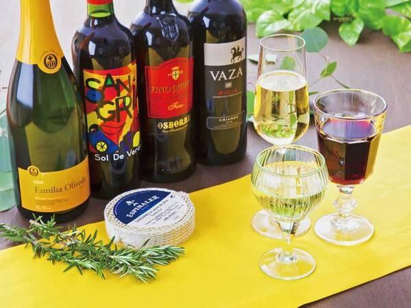 【ワイン/例】お料理に合うスペインワインを取り揃えております。テイスティング感覚でちょっとずつお試しできます。