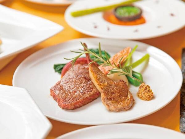 【夕食一例】野菜ソムリエたちがオーダーを受けてから目の前で作る