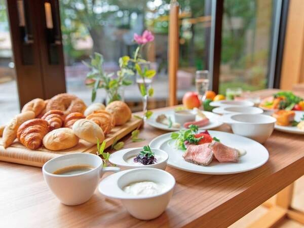 【朝食一例】選べるスープと蔵王高原野菜サラダをメインに