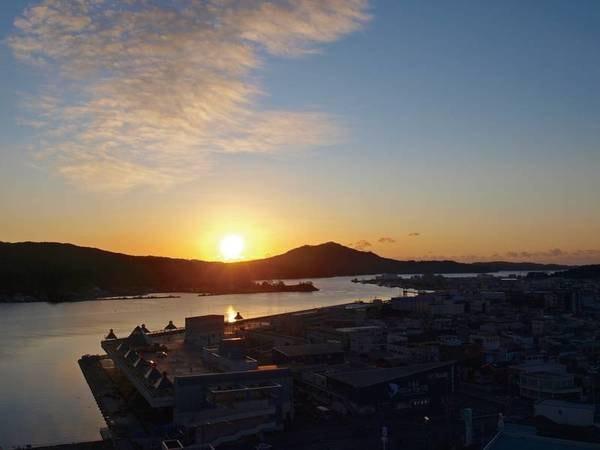 【眺望/例】気仙沼湾を見下ろし、日の出をみる