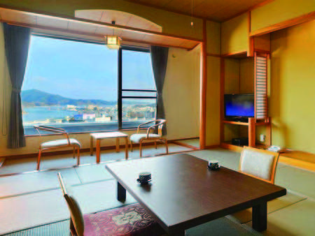 和室(11.5畳以上)[客室/例] 全室オーシャンビュー、広々11.5畳以上の和室へ