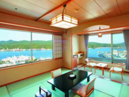 [客室/例] 気仙沼湾望む角部屋確約、10畳+ツインの客室へ、旅の贅沢を愉しむ