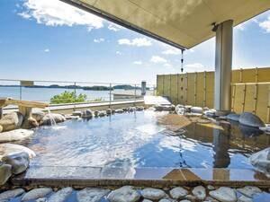 【「五大観」】大きなガラス張りの窓から松島湾を一望
