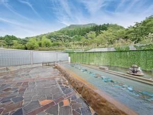 【露天風呂】作並の自然を満喫できる開放的なお風呂