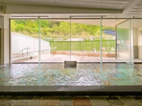 【大浴場】広い内湯、併設の露天風呂のほか、麦飯石低温サウナ等も完備
