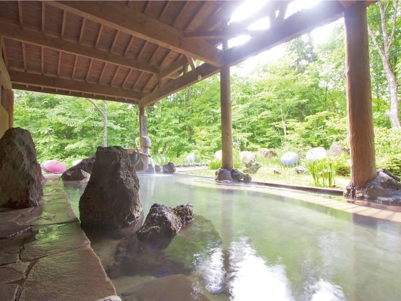 【露天風呂「涌寿の湯」】心地好い天然の湯に浸かる旅の贅沢なひとときを