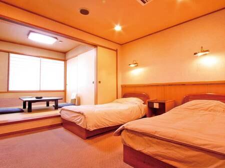 【客室/例】(禁煙)本館和洋室ツイン+3畳