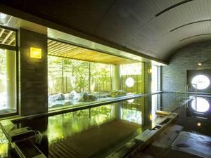【大浴場】開放的な空間でくつろぐ至福のひと時・・・・