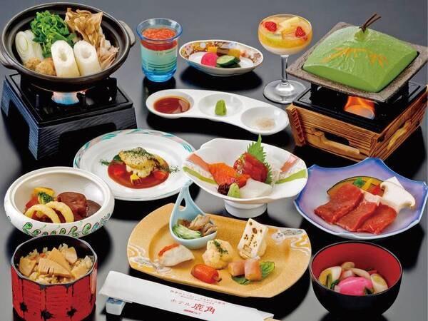 【小町膳「竹」コース/写真一例】お任せ郷土料理や十和田高原ポーク桃豚など、地元の食材を使用した和会席でおもてなし