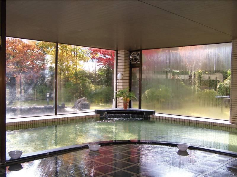 【大浴場】季節により景色も変わる