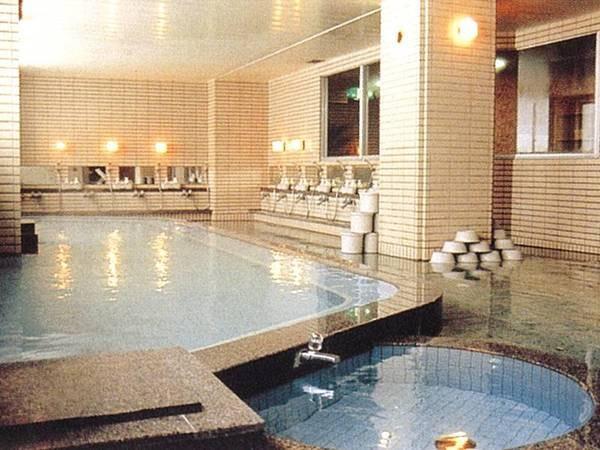 【女性用/大浴場】さらりとした泉質が心地よい。※姉妹館ホテル十和田荘の大浴場も利用可能