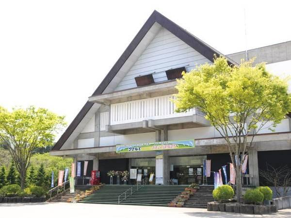 【わらび劇場】エリア内にある劇場。秋田発のオリジナルミュージカルを毎月公演!
