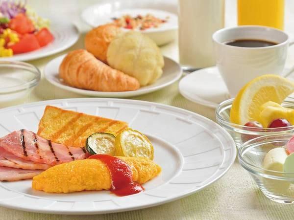 【朝食バイキング/例】バラエティ豊富なメニュー。オムレツはシェフがその場で料理