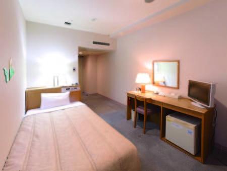 【17㎡シングル/例】清潔感溢れるお部屋に1人旅のお客様をご案内!