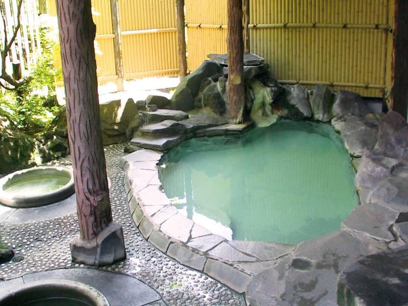 【女湯露天風呂】源泉かけ流しの天然100%温泉を満喫!