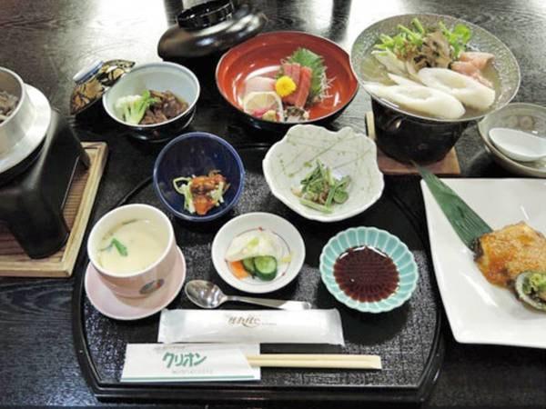 【旬の和会席・かたくり膳/例】約11品のスタンダートプラン。秋田の味覚を満喫