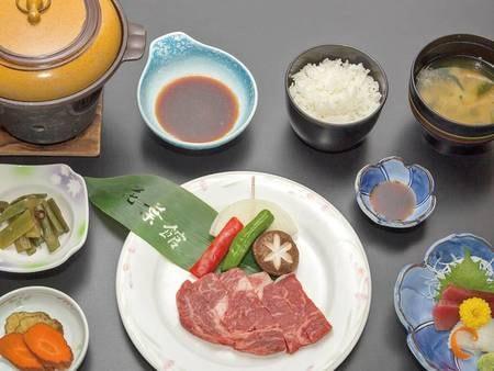 【国産牛陶板焼き定食/例】リーズナブルに国産牛をいただける!
