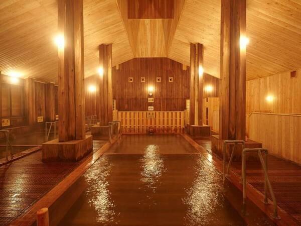 大浴場 自慢の大浴場はすべて木造となっております。