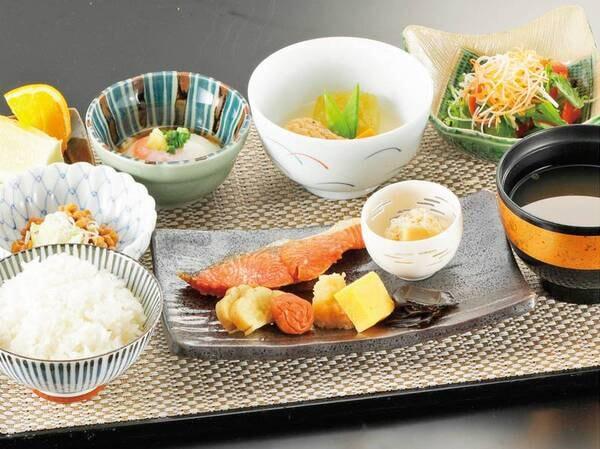【和定食/例】朝食は和定食・洋食・おかゆ膳から選択できる!