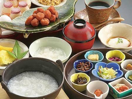 【おかゆ膳/例】朝食は和定食・洋食・おかゆ膳から選択できる!