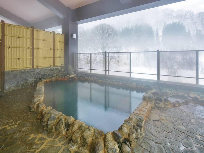 【露天風呂】四季折々の景色を眺めながら