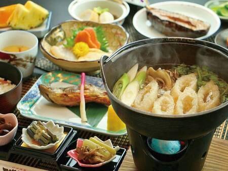 本場秋田の!きりたんぽ鍋/ご夕食一例