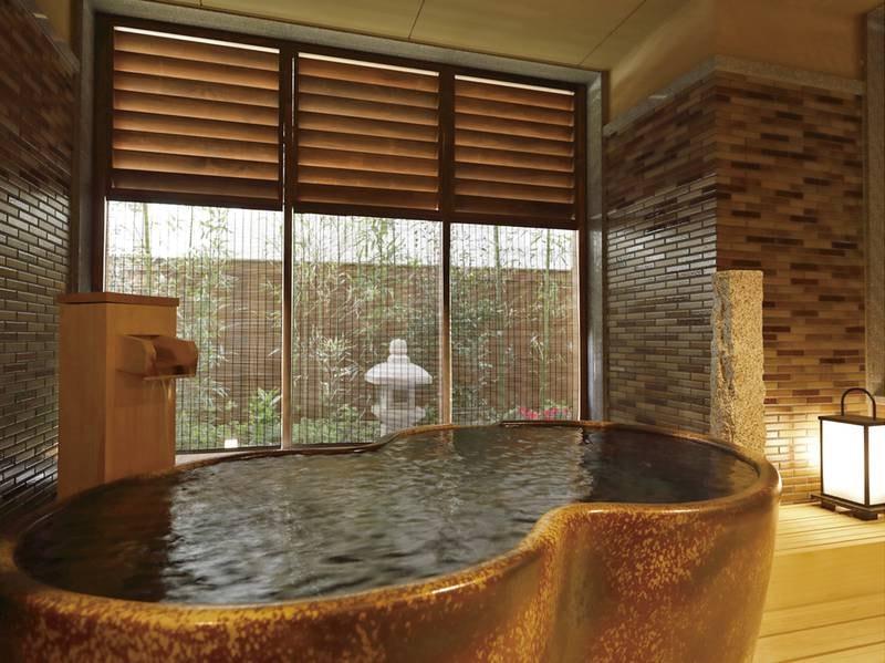 【貸切風呂~陶~】陶器の湯舟で寛ぐ至福のひととき。また入りたくなる心地よさ