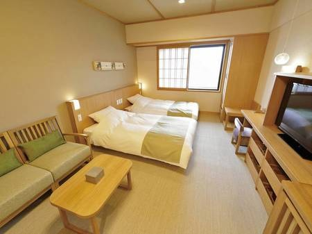 【和ツイン25㎡(シャワー付・和ベッド)】和モダンな趣でとても過ごしやすい造り。どのお部屋も段差がほとんどないのがうれしい