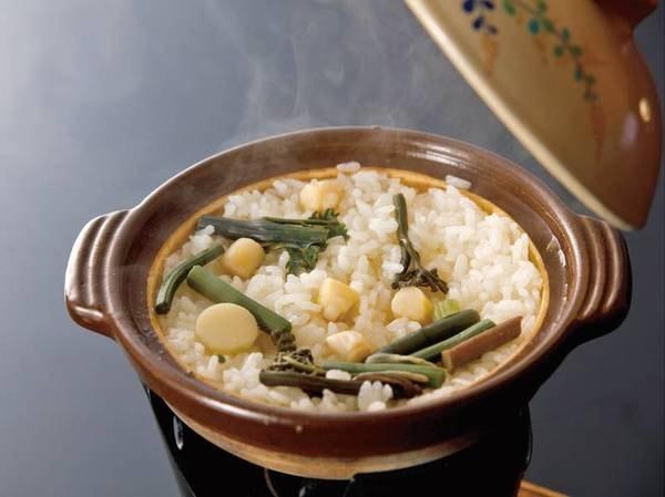 【夕食一例】土鍋で炊き立てごはんを味わえる