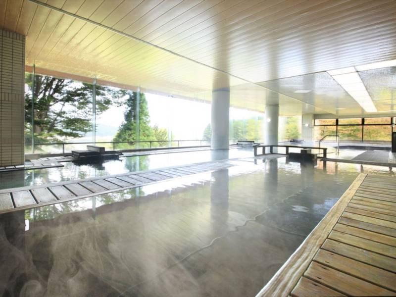 【大浴場 古代檜風呂】血行や新陳代謝を促進し、神経を休める作用がございます。
