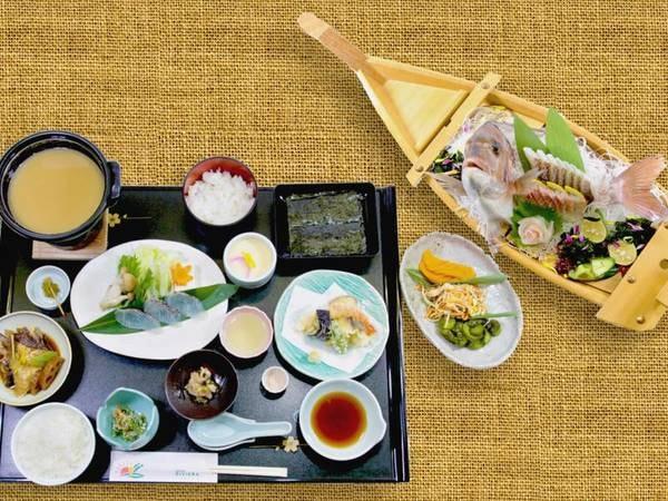 鯛船盛り等全9品/海幸「竹」コース(一例)