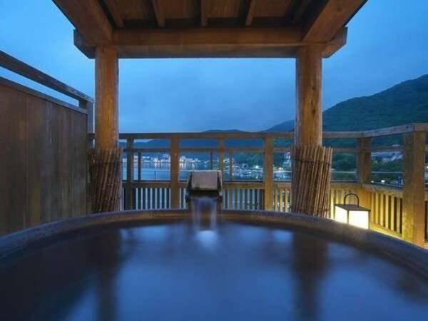 【富士河口湖温泉 花水庭 おおや】河口湖々畔に佇み、富士山を望む。 お・も・て・な・し の新和風空間。日々の喧騒を忘れ、当館自慢のお料理に舌鼓。ゆっくりとした時間の中、お探しのひと時は花水庭おおやにございます。