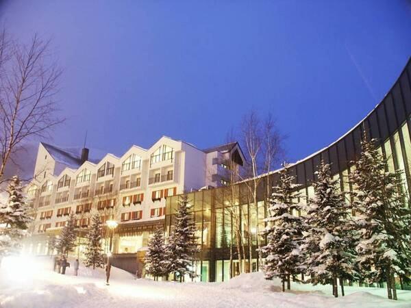 ルスツリゾートホテル&冬外観