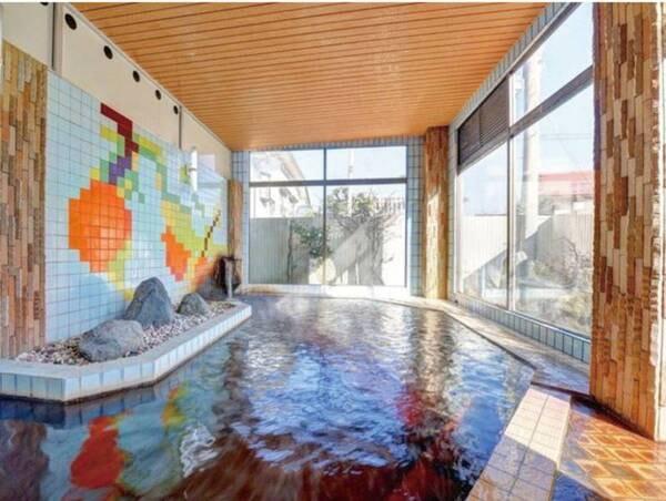 【大浴場(男性)】昔ながらの趣残る浴場で東根の名湯を満喫