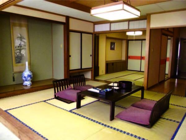 ★期間限定★10畳+6畳の広々二間和室へご案内