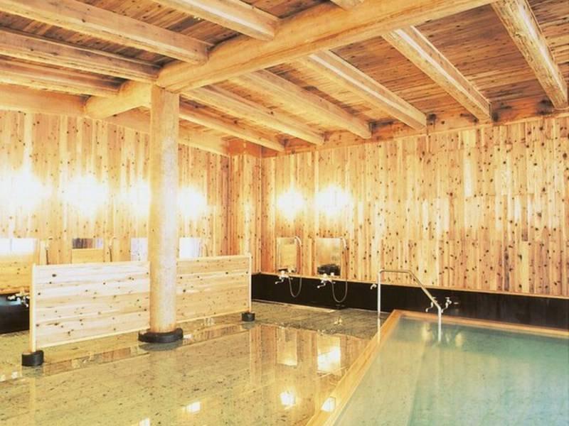 大浴場(女性用)露天風呂併設:硫黄泉が苦手な方もOK!やさしい弱アルカリミネラル人工泉