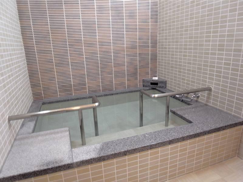 1階貸切風呂「やわらぎ」はバリアフリー!(1回30分1,100円)