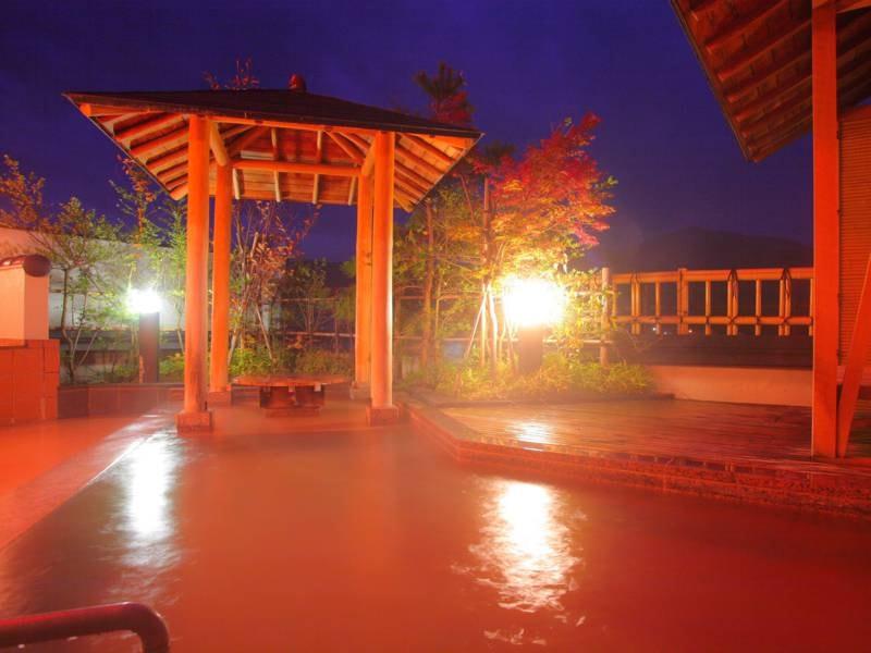 7階展望風呂の湯「天空」と「天星」。17時~24時は貸切(1組1回30分無料!)となります。夜の雰囲気も格別!