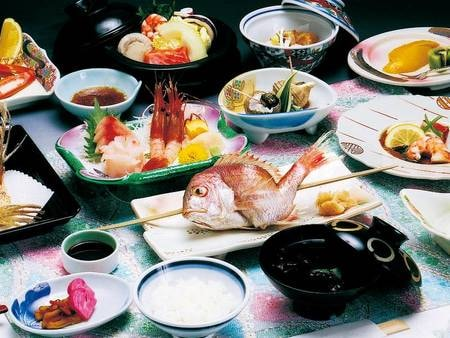 【名物浜焼き/例】名物浜焼きなど熱々料理を一品ずつご提供