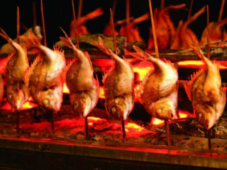 【名物浜焼き/例】獲れたて旬魚の炭火で焼く名物・浜焼き